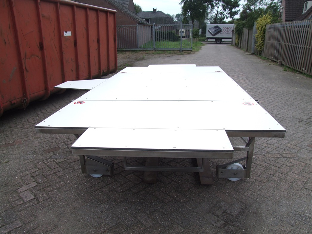 Equine Table
